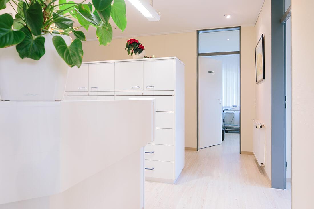 Hausarzt Geretsried - Kőrössy - Praxis - Empfang